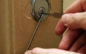 Door locks Aspley